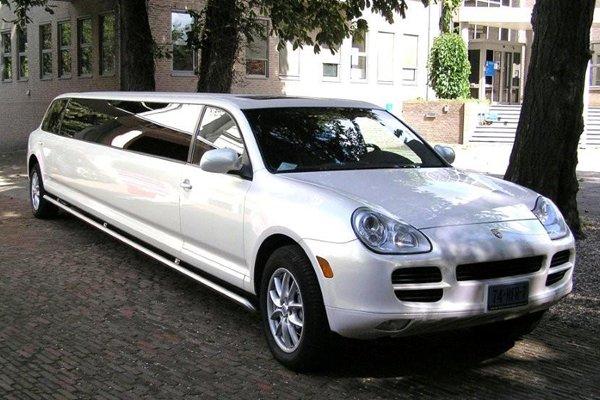 Porsche limousine fotogalerij 1